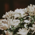 White flowers providing a rustic ambience at the Pillar & Post Hotel in Niagara-on-the-Lake