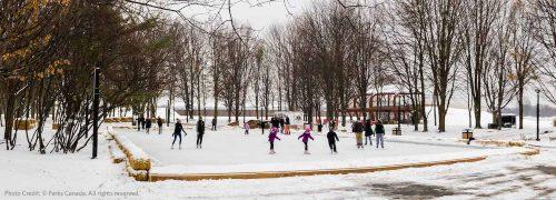 Ice skating date in Niagara