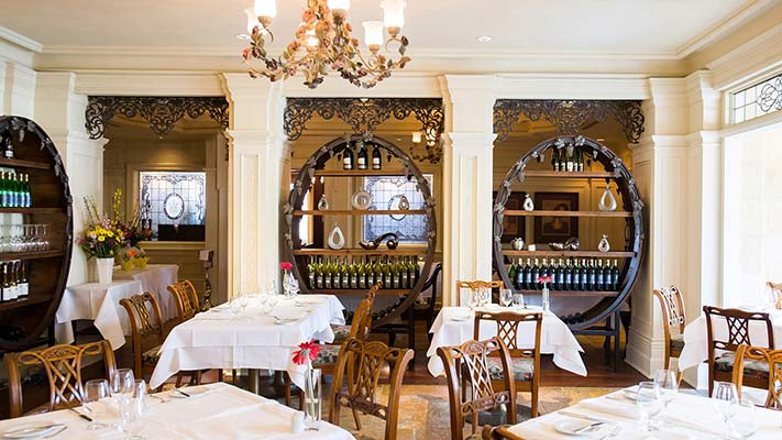 Fall atmosphere at Noble Restaurant in Niagara-on-the-Lake