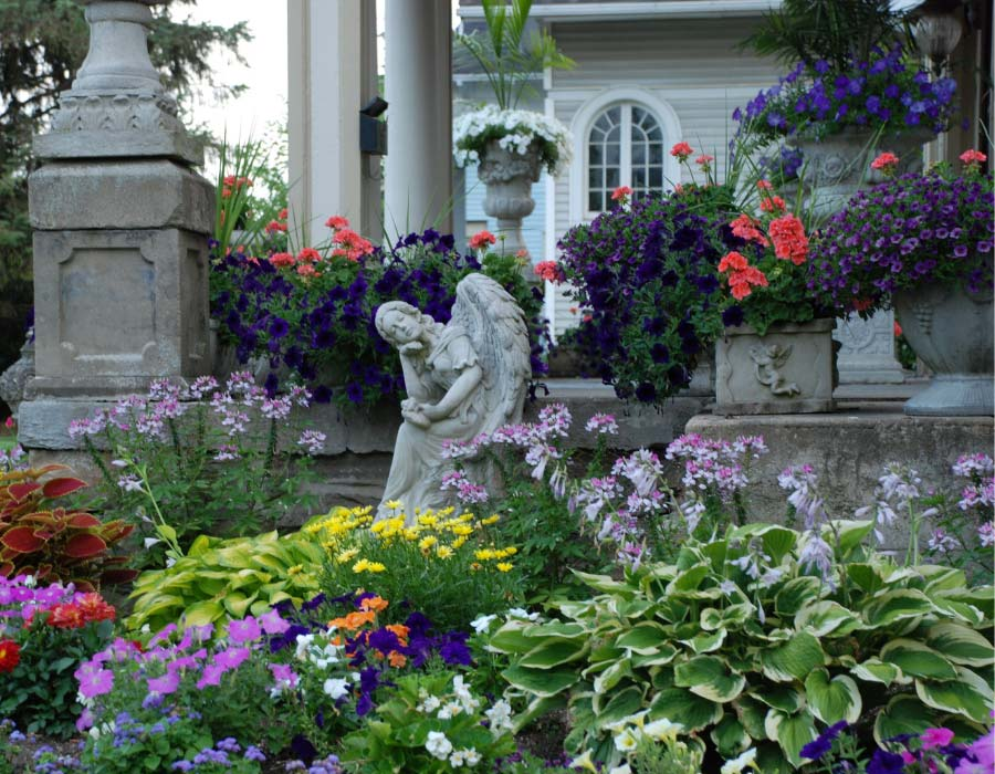 How to prepare your flower gardens and lawn for winter