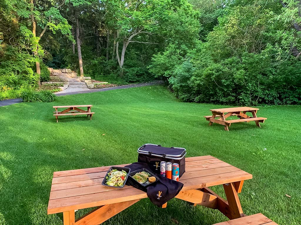 Great picnic spot in Niagara-on-the-Lake – The Waterview Garden at Queen's Landing